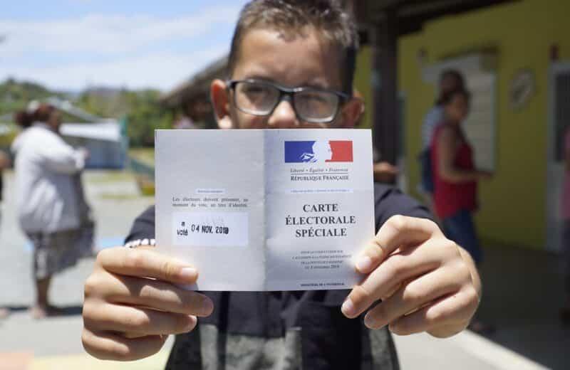 Où se trouve Nouméa par rapport à la France ?
